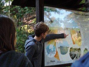 Neil Hetrick (University of Toledo) explaining the geological base of the nature reserve park Kalkberg in Lüneburg