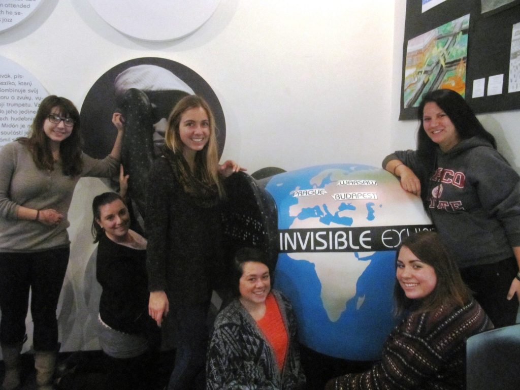 students at invisible exhibit