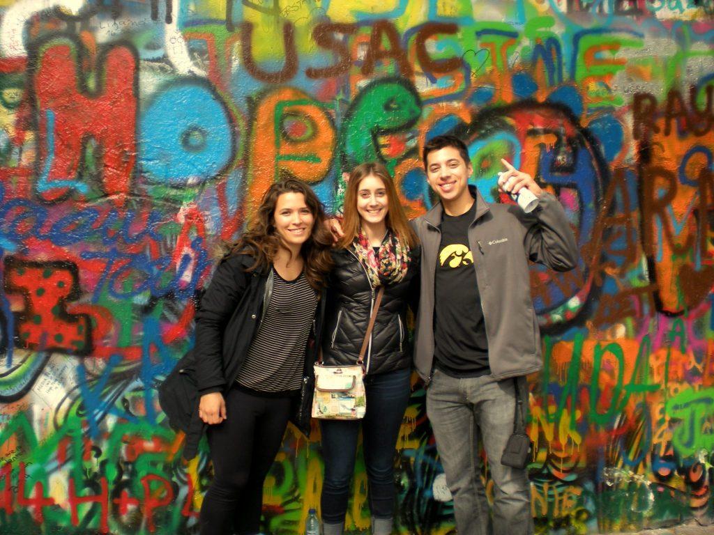 Prague Lennon Wall (Angela Maschio) pd