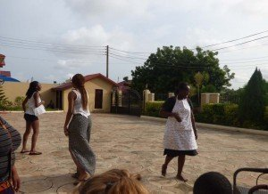 accra ghana cuisine workshop - resident director joins the fun and dances