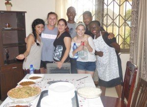 accra ghana cuisine workshop - students with resident director