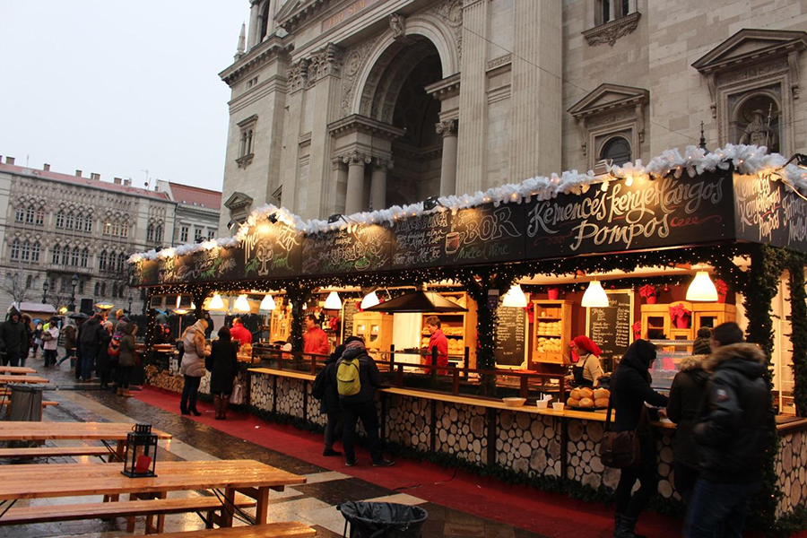 8 Christmas Markets to Visit while Studying Abroad