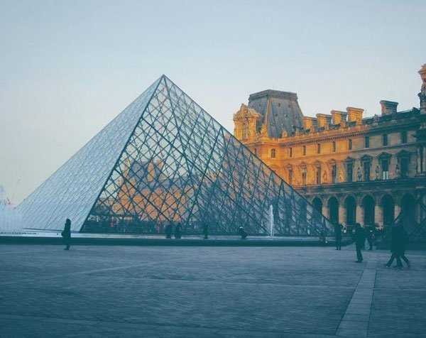 student photo study abroad in Paris