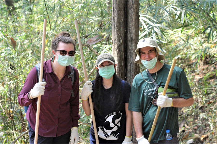 USAC Students volunteer to build firebreak in Chiang Mai, Thailand during study abroad