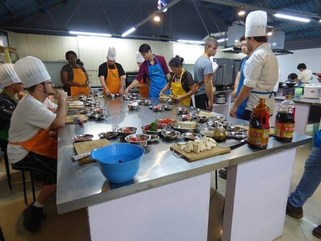 USAC students in Chinese culinary class