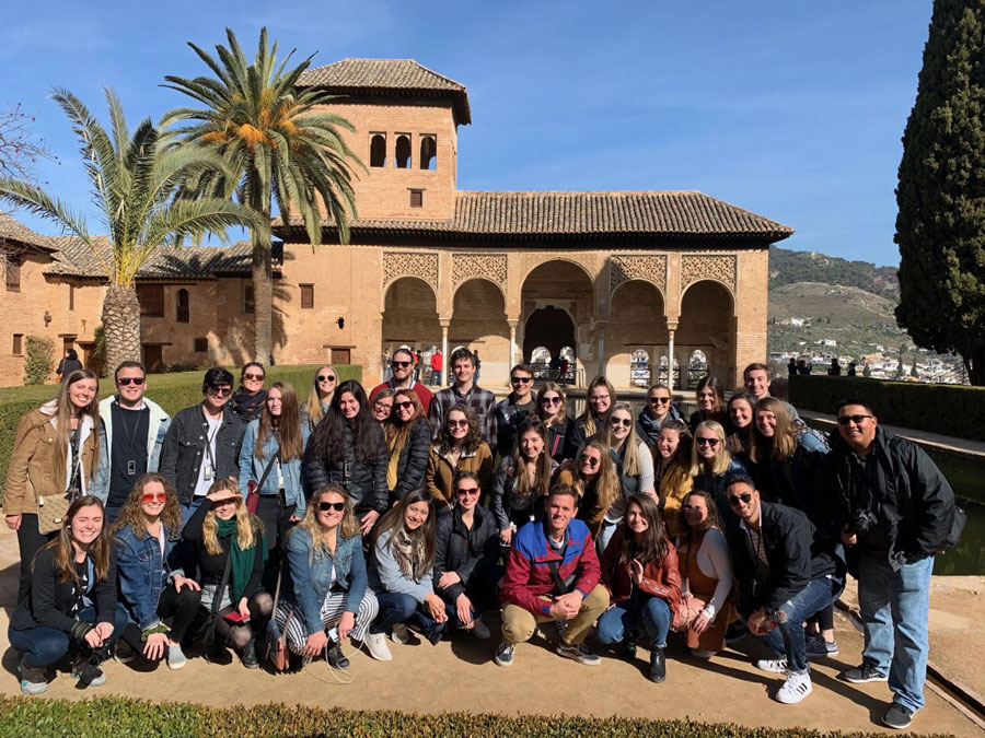 USAC students stop for a group shot in Granada during a USAC Alicante field trip
