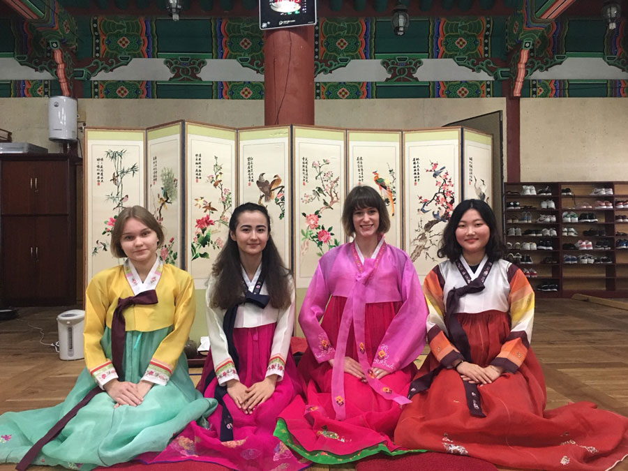Study abroad students in Korea