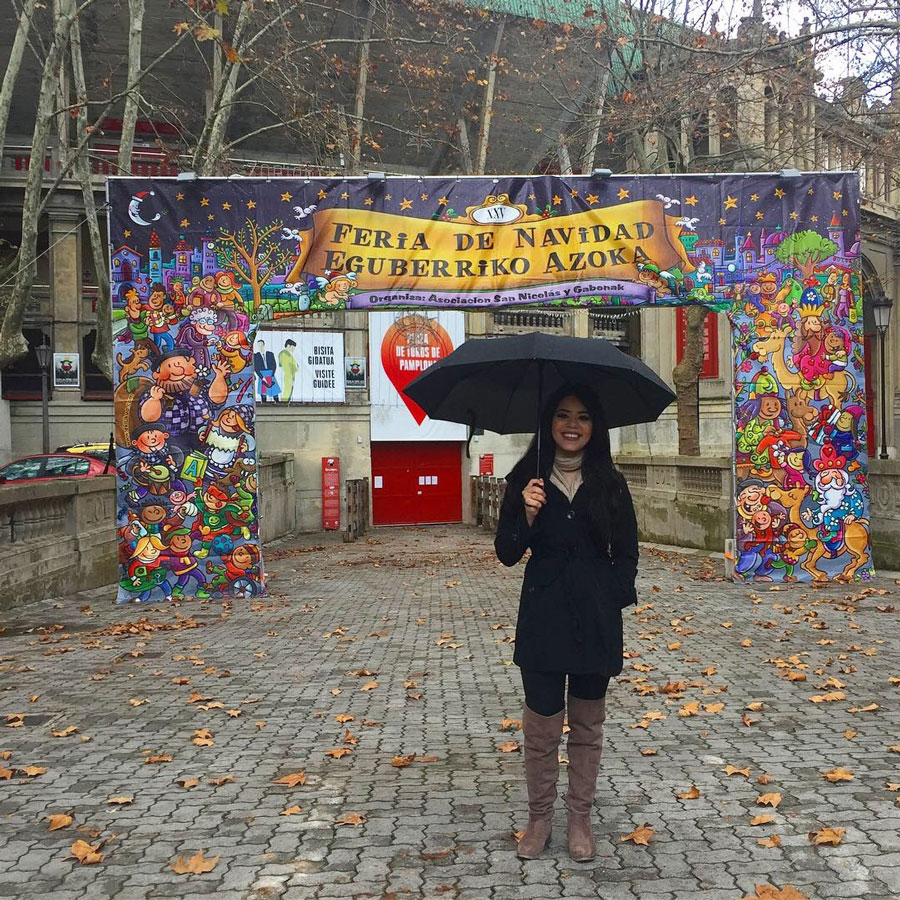 A Mexican heritage student studies abroad in Spain with USAC