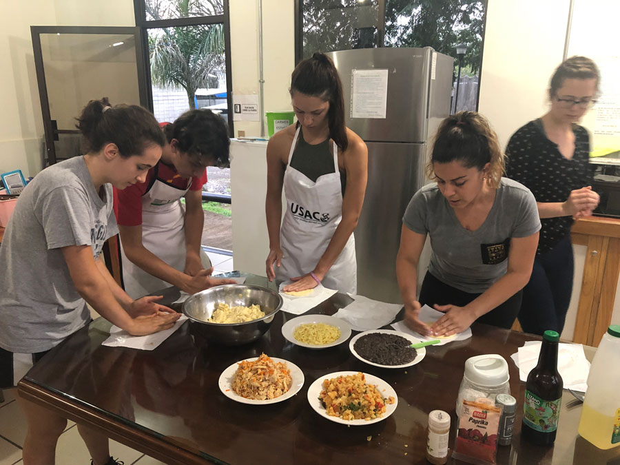 USAC students take cuisine class in Costa Rica