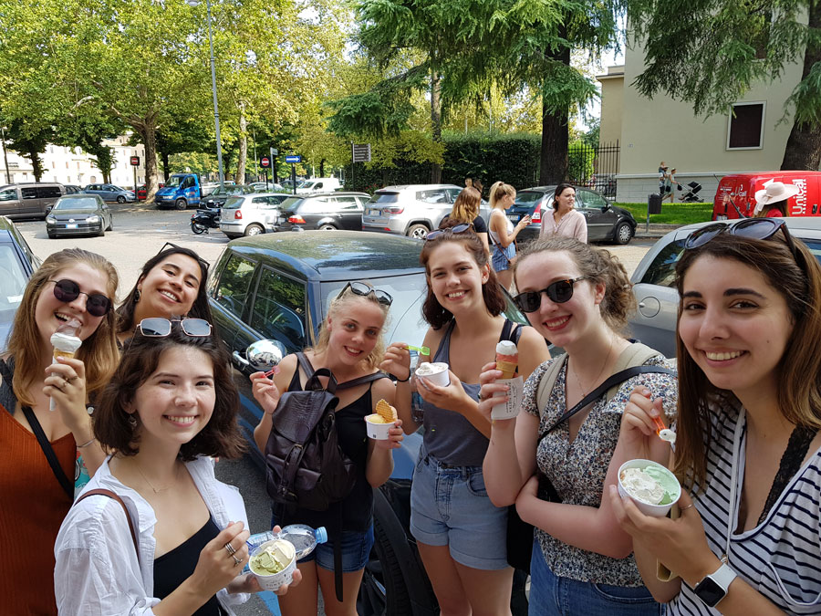 USAC Verona students enjoying gelato in Verona, Italy