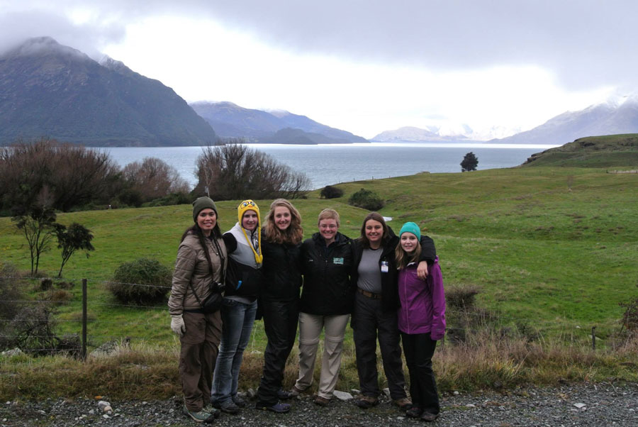 USAC New Zealand study abroad students group shot