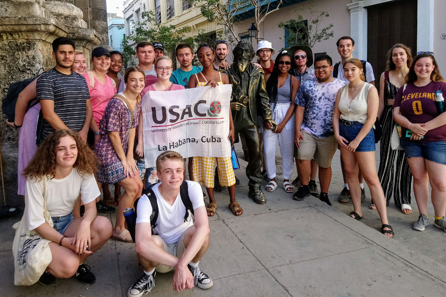 Students gather in La Habana,Cuba during a study about with USAC