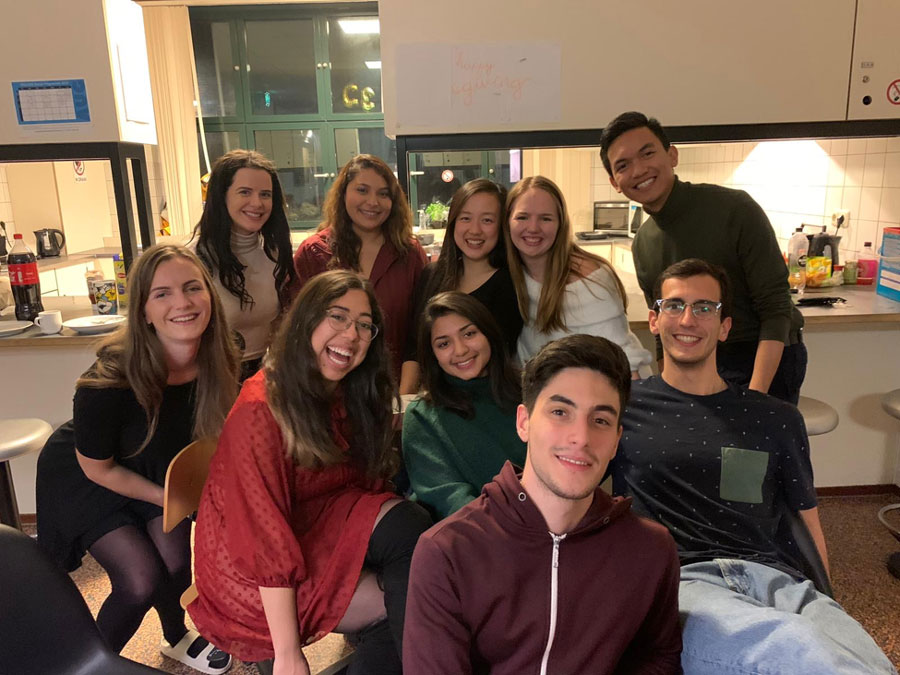 A group of studying celebrate Friendsgiving