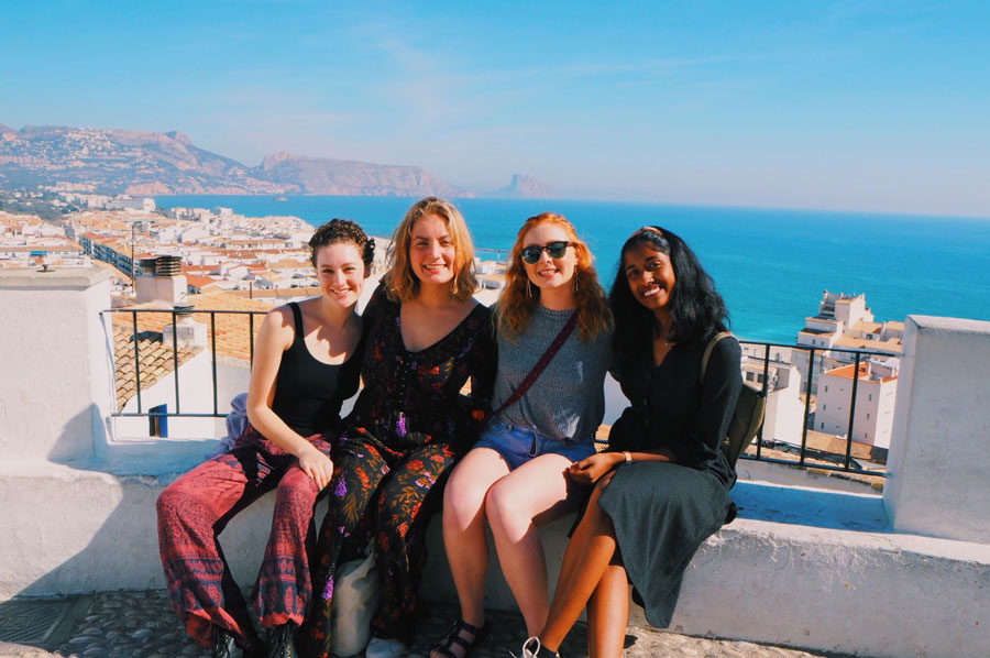 Friends in Valencia, Spain during a study abroad