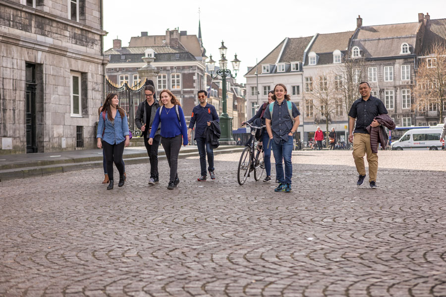 Students explore Maastricht city during study abroad program