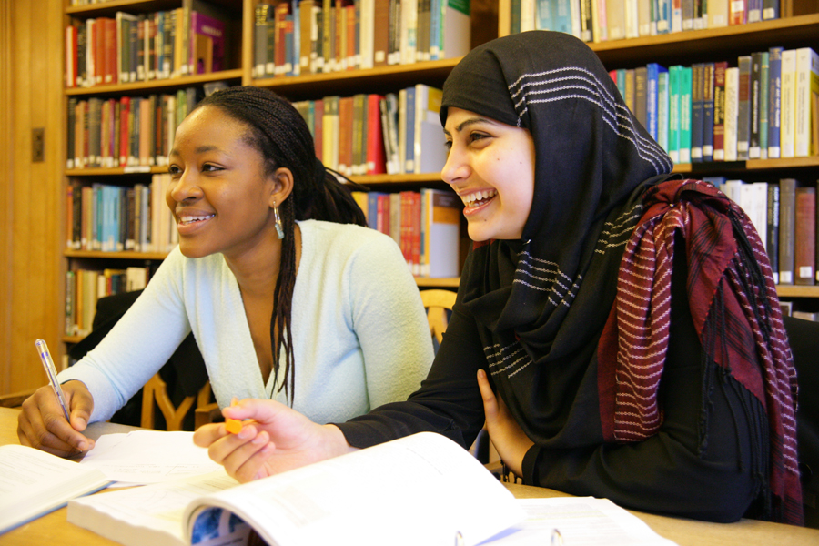 College students distance learning in the library