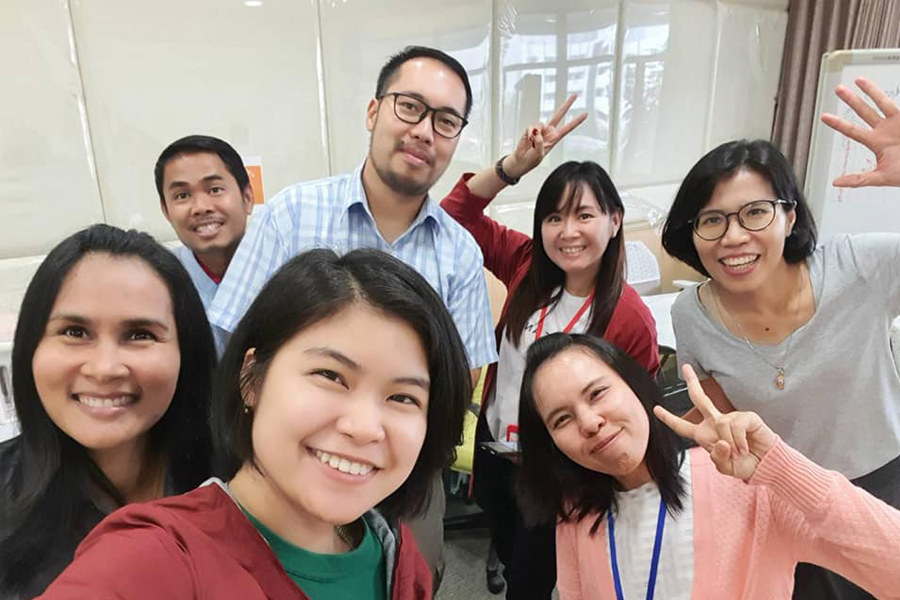 The staff at HealthNet in Khon Kaen, Thailand that offer international health internships for students